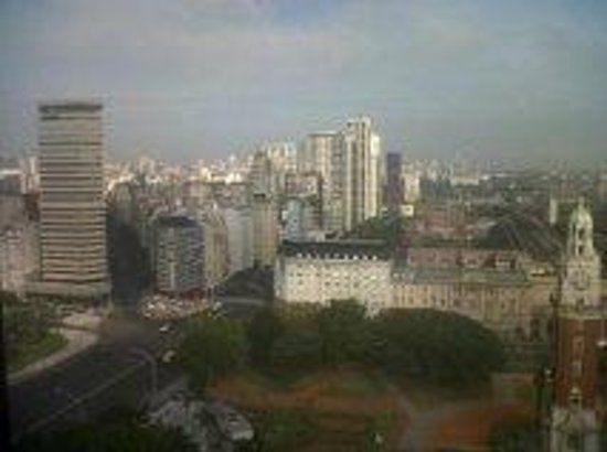Sheraton Buenos Aires Hotel & Convention Center:                   vista ciudad desde piso 22