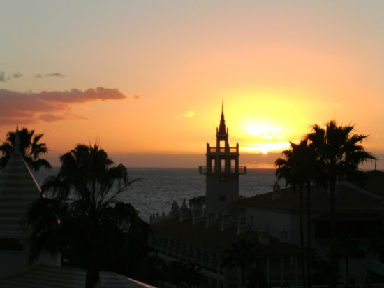 Hotel Riu Arecas:                   Coucher de soleil vu de la terrasse de notre chambre