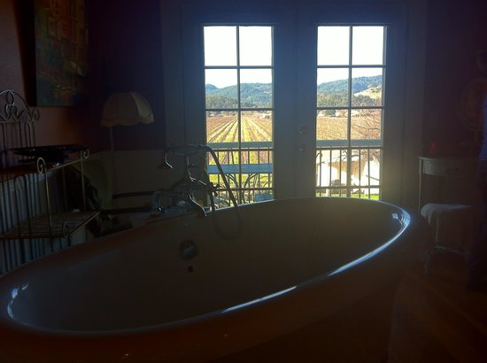 Auberge on the Vineyard: View from Fabulous ensuite soaking/jacuzzi tub