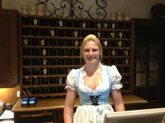 Hotel-Gasthof zur Mühle:                   Nice girl on reception