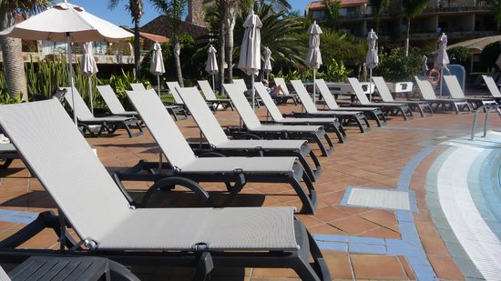 H10 Playa Meloneras Palace : enough sun loungers