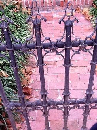 New Harmony Inn Resort & Conference Center: wrought iron gate on inn prperty