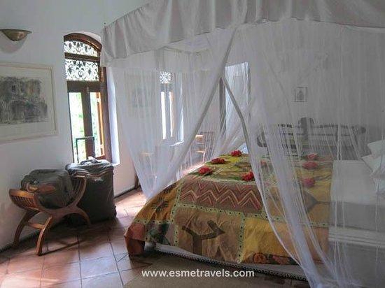 Apa Villa Illuketia: Exotic Guestroom