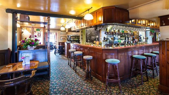 Three Horseshoes Inn:                   Bar