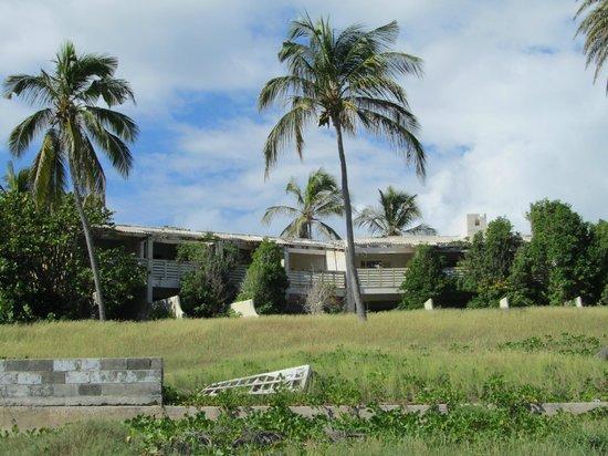 Half Moon Bay hotel ruins