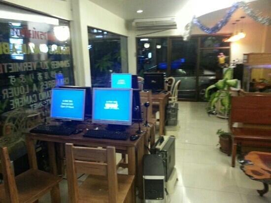 A-One Inn:                   Lobby