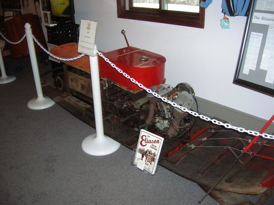 ‪‪Snowmobile Hall of Fame and Museum‬:                   Very Early Snowmobile