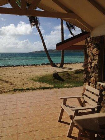 Plantation Island Resort: the beach from room 206