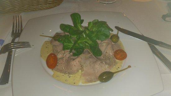 Brasserie Loev:                   Vitello tonnato...zart, saftig und sehr lecker