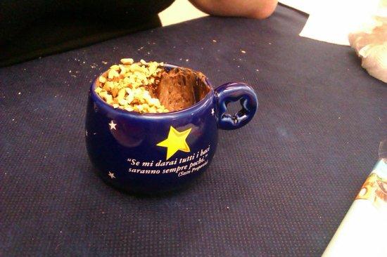 Hotel Sorriso:                   Un piccolo esempio della cura maniacale anche del dessert...