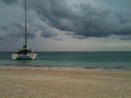 Hidden Beach Resort - Au Naturel Club:                                     Nude Cruise Private lunch on Maroma Beach