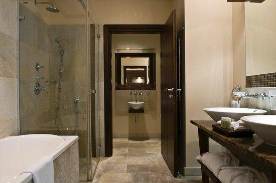 Mamaison Hotel Le Regina Warsaw: Superior Bathroom at Mamaison Hotel Le Regina
