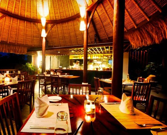 Ubud Green: Firefly Cafe At Night