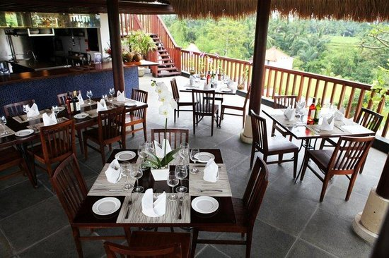 Ubud Green: Firefly Restaurant Full Set Up