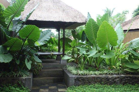 Ubud Green: Garden Bale Bengong