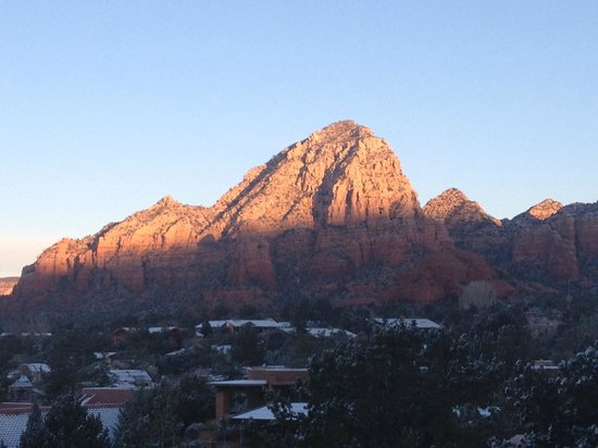Best Western Plus Inn of Sedona: View of the sunrise at the hotel