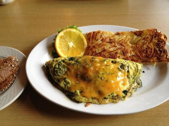 The Mile High Cafe: spinach/mushroom omelet