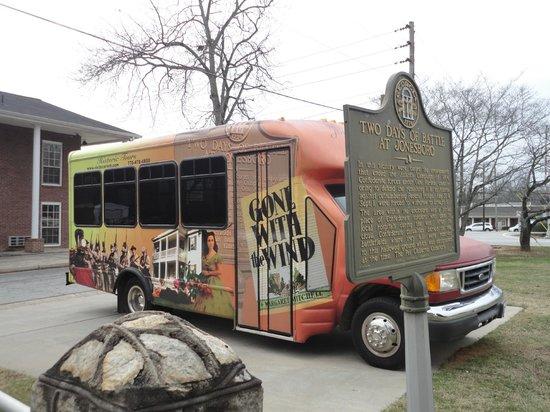 Jonesboro, Τζόρτζια:                   Outside the Confederate cemetery
