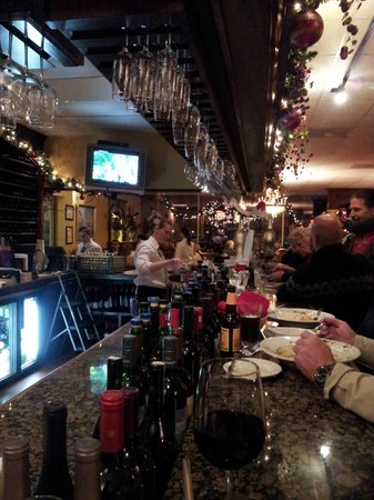 Gianna's Italian Kitchen: relaxing bar