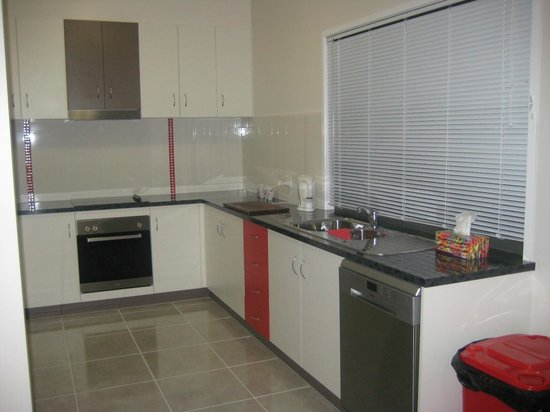 Riverdell Park Accommodation B&B: Fully equipped kitchen