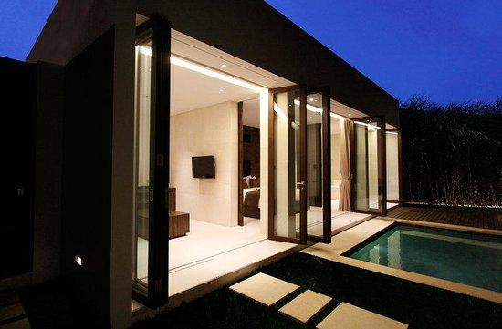 eqUILIBRIA SEMINYAK: Pool Villa Villa