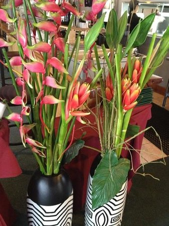 The Mile High Cafe: beautiful flowers inside