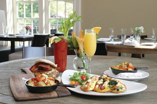 Diamond Mills Hotel: Brunch at The Tavern