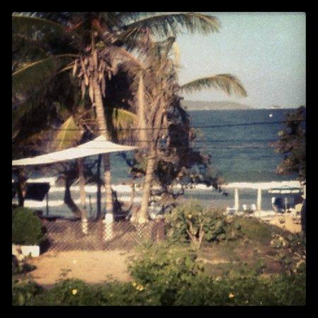 Hotel Coco Paraiso: Vista frente al mar desde la terraza privida de nuestra habitacion