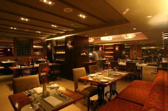 BEST WESTERN PLUS Antel Hotel: Azzurro Bistro And Bar