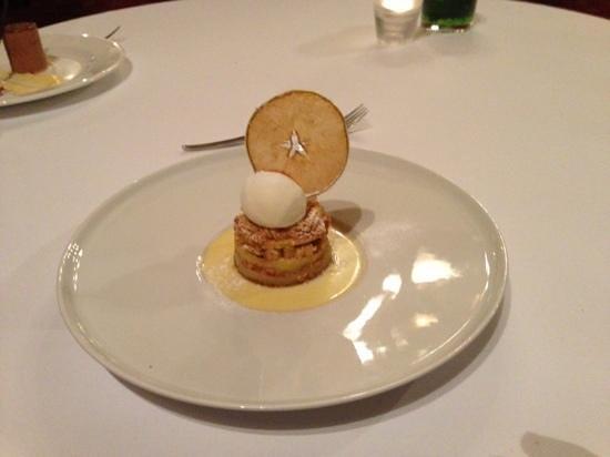 Macdonald Randolph Hotel:                   Apple Crumble