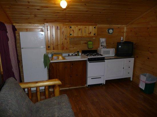 The Elms Waterfront Cottages: Cottage Kitchen