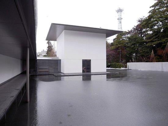 D. T. Suzuki Museum :                   思索空間(外観)