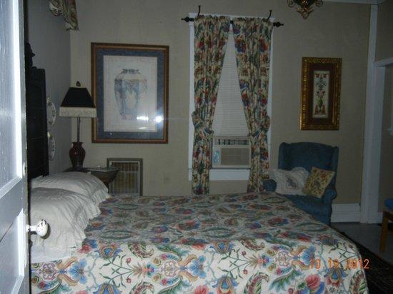 Thomas House:                   room
