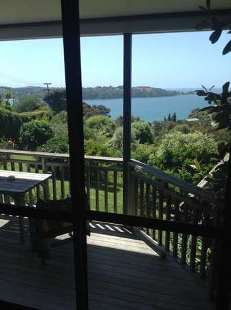 Le Chalet Waiheke Apartments: Stunning view