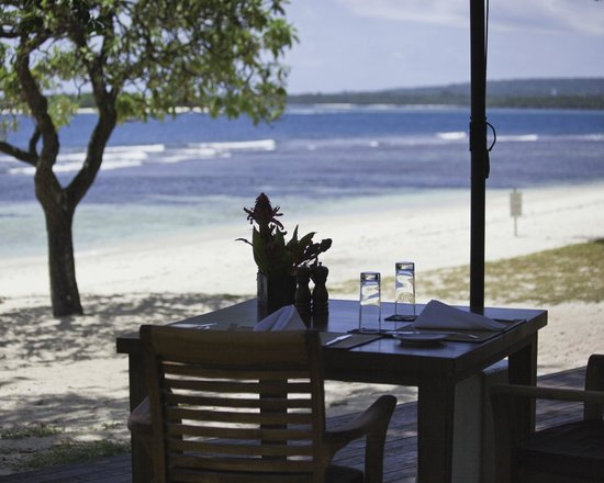 Eratap Beach Resort:                   the dining room for all meals and the view