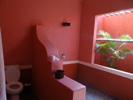 PinkCoco Bali:                   banheiro