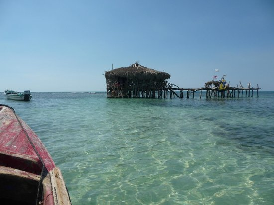 Moonlight Villa Seaside Resort:                                     The Pelican Bar