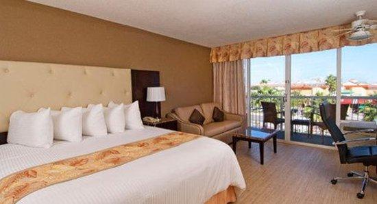 Wyndham Garden Clearwater Beach: King Standard Room