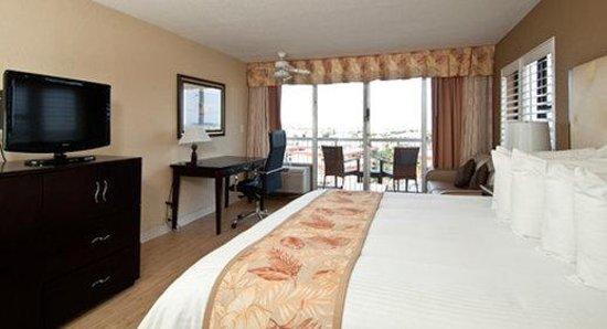 Wyndham Garden Clearwater Beach: King Harbor View Room