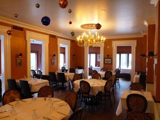 Jaipore Royal Indian Cuisine: Inside the restaurant