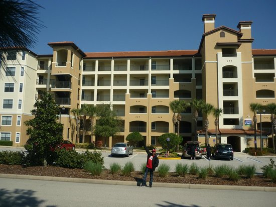 Holiday Inn Club Vacations Orlando - Orange Lake Resort:                   the front