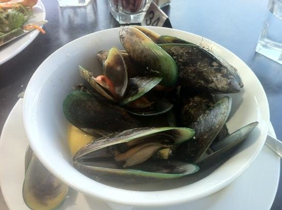 Slip Inn Cafe: Green Lipped Mussels To Die For