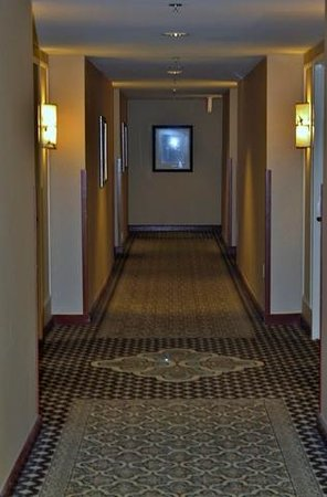 Washington Court Hotel: Hallways