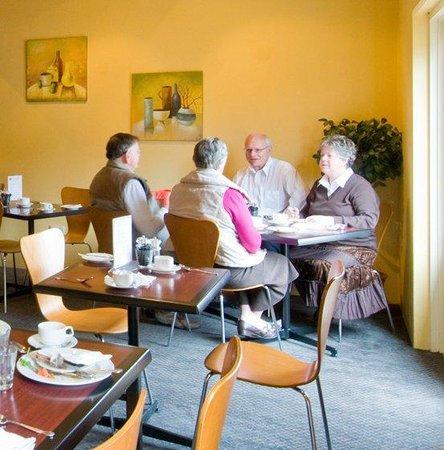บัลมอรัลออนยอร์ค: Restaurant