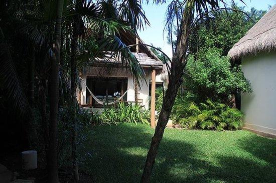 Viceroy Riviera Maya: Sea view cabanas.