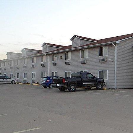 Rock Creek Hotel : Magnuson Hotel Sabetha Exterior