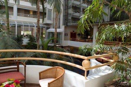 AC Hotel Ambassadeur Antibes- Juan les Pins : Lobby