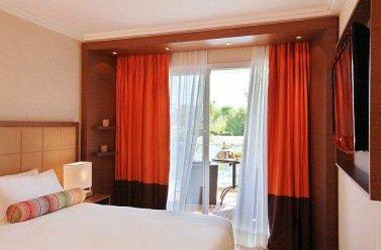 AC Hotel Ambassadeur Antibes- Juan les Pins : Superior Room