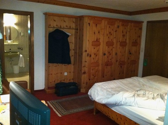 Hotel Baeren:                   Room - knotty pine furnishings