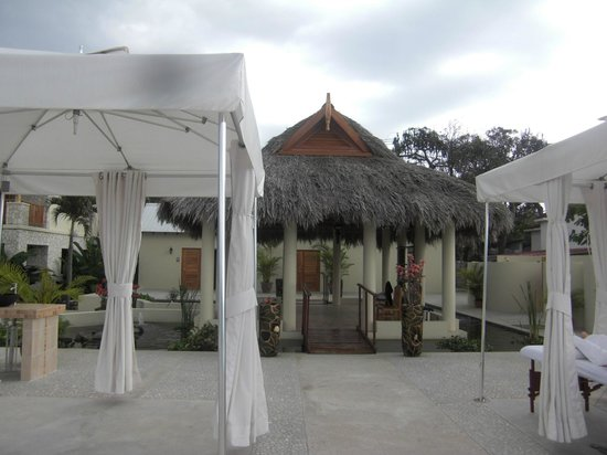 The SPA Retreat Boutique Hotel:                                     spa area